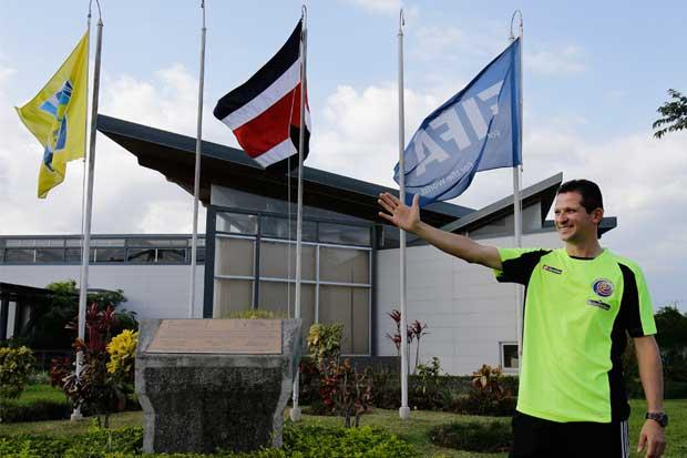 Arbitraje nacional se prepara con estándares FIFA