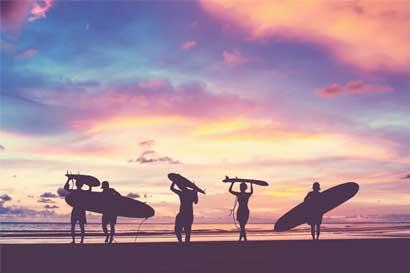 Paraísos de surf ayudan a impulsar la economía