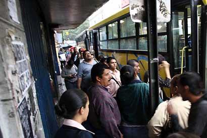 Frenteamplistas piden rebajar tarifa de buses de Calle Blancos