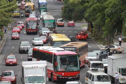 Autobuseros abandonan reunión técnica con Aresep