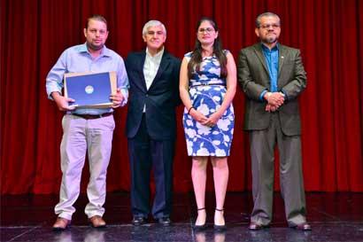 105 comités de playa nacionales recibieron Bandera Azul Ecológica