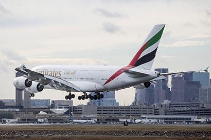Cómo respondieron aerolíneas de Medio Oriente a veto de laptops
