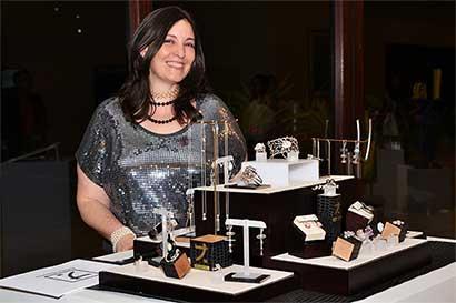 Artista nacional se presentó en el Mercedes-Benz Fashion Week El Salvador
