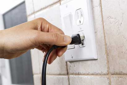 Tarifa de respaldo retroactiva afectaría costo de electricidad para familias rurales