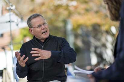 CEO de Discovery augura tiempos difíciles por servicios en línea