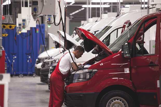 VW recibe autorización para vender autos de diésel reparados en EE.UU.