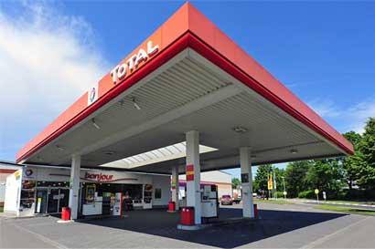 Total vendió sus estaciones del país a Petróleos Delta