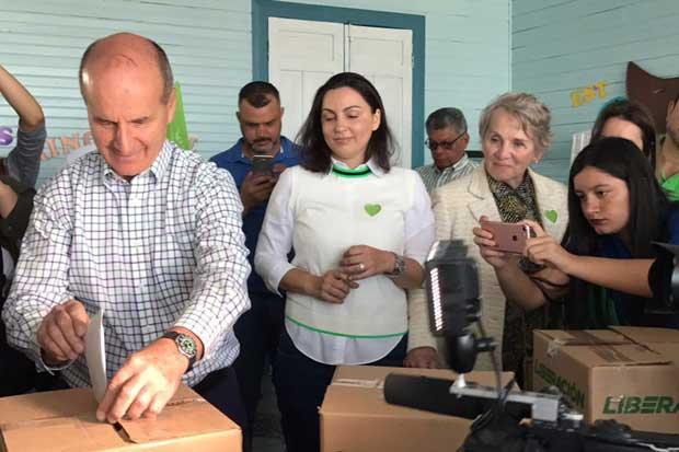 Caras largas en el comando de campaña de Figueres