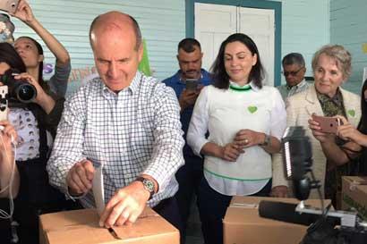 Figueres acepta su derrota