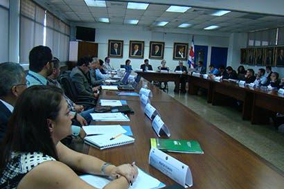 Autoridades se reúnen en Costa Rica para discutir sobre seguros agropecuarios