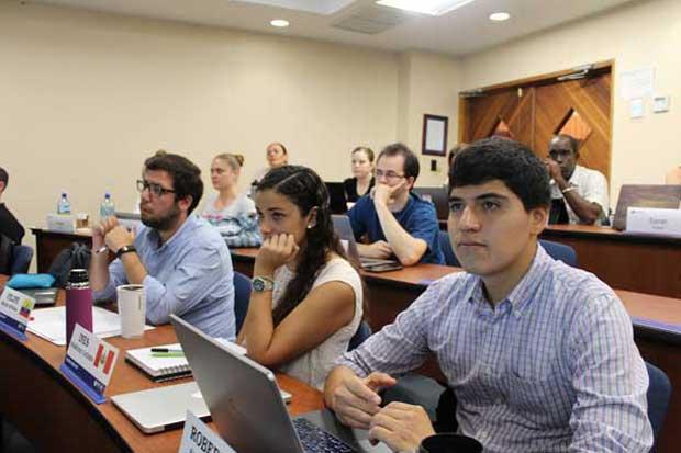 INCAE lanza nuevo módulo del programa Especialización en Finanzas