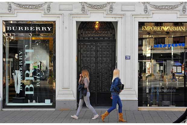 Burberry vende licencia de fragancia y maquillaje a Coty