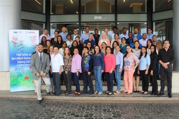 106 profesionales fueron capacitados para brindar apoyo en exportación de alimentos procesados