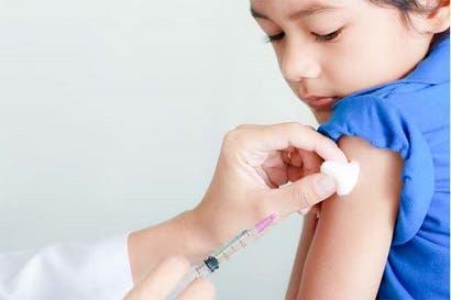 CCSS pide verificar vacunas contra sarampión en menores