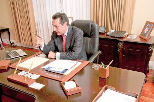 Antonio Álvarez pide ley de empleo público antes de nuevos impuestos