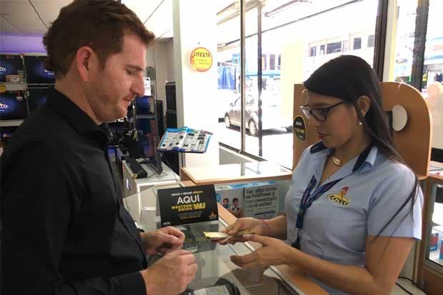 Gollo firma alianza con Western Union para envío de remesas