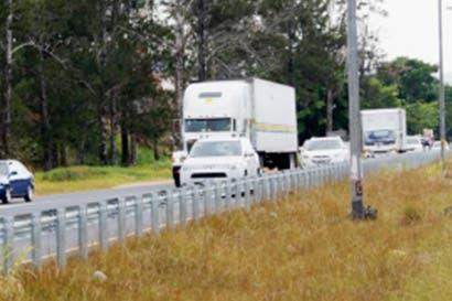 Camiones pesados tendrán restricción el Domingo Santo