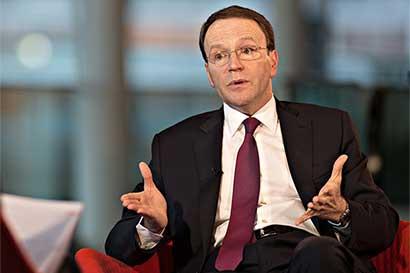 El nuevo responsable de Nestlé cuestiona los recortes de costos
