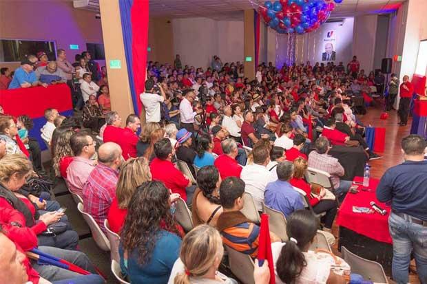 Rafael Ortiz inscribe su precandidatura con el PUSC