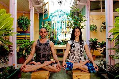 Curso lo invita a profundizar en la práctica del yoga