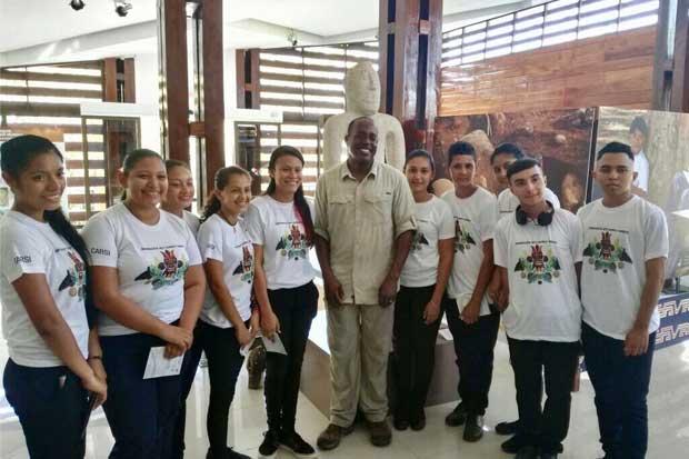Estudiantes de Zona Sur se capacitan para mejorar su empleabilidad