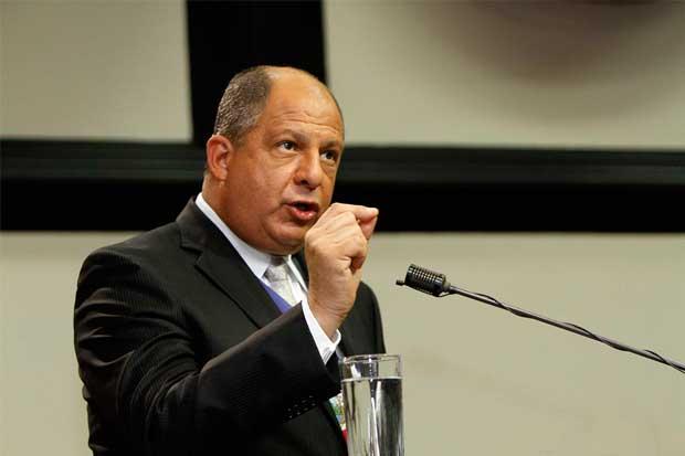 Presidente Solís confirma inversión de Discovery y alaba su enfoque sostenible