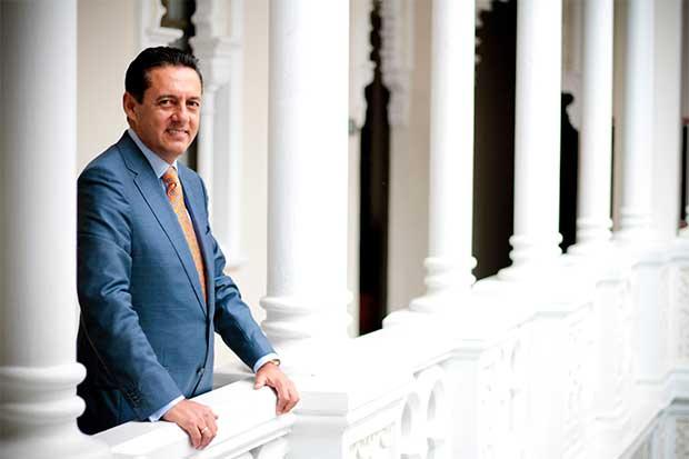Antonio Álvarez tomará propuestas de exrivales