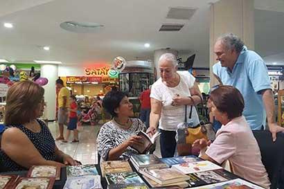 Feria promueve la lectura