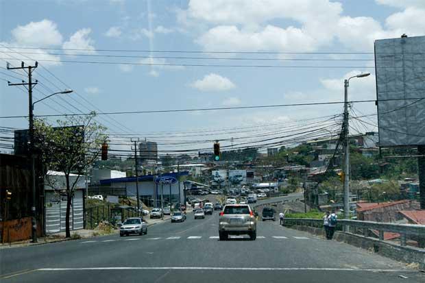 Tránsito sanciona 46 conductores diarios por licencia vencida