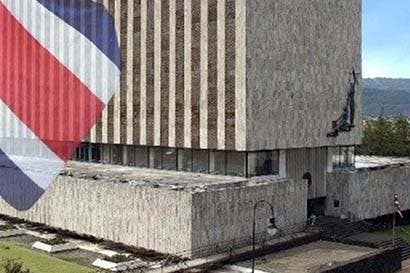 Funciones administrativas saturan gobierno judicial