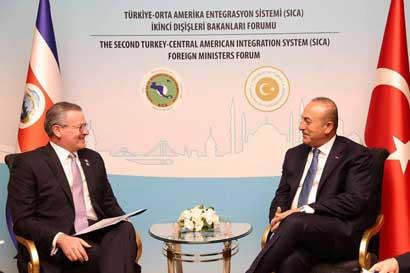 Canciller turco reiteró deseos de negociar TLC con Costa Rica