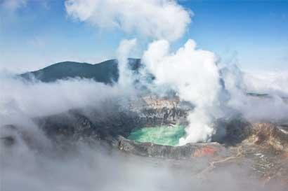 Erupciones del Poás afectan la calidad del aire del Valle Central