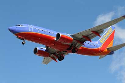 Southwest objeta conexiones de Volaris Costa Rica a Estados Unidos