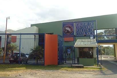 Colegio de Contadores apoya reformas a ley contra lavado de dinero