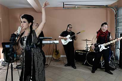 Cantantes nacionales calentarán antes del concierto de Ana Gabriel