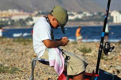 Estudiantes de Quepos recibirán talleres gratuitos sobre pesca deportiva