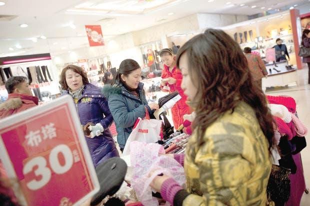 FMI: China se beneficiaría mucho si abre su sector de servicios