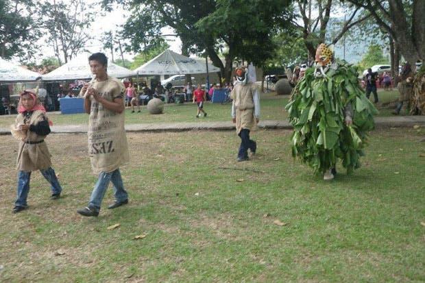 Muestras culturales se fusionan en el XII Festival de las Esferas Osa 2017