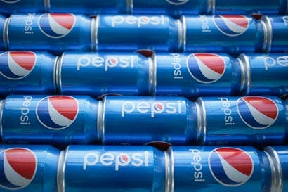 Aumentos de precios ayudan a PepsiCo a sobrellevar menor demanda