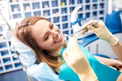 Estudiantes de Odontología brindan talleres gratuitos sobre higiene bucal