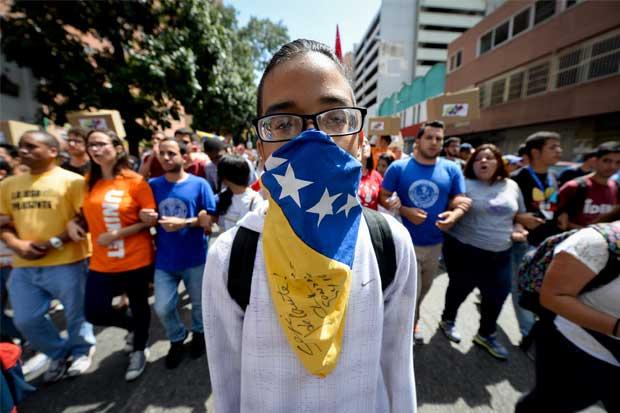 Diputados de Venezuela buscan rechazar eventual salida de la OEA