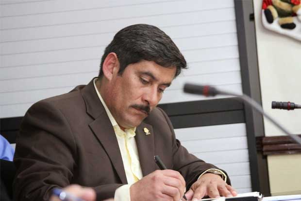 Diputado del PAC molesto con trámite a proyecto de Álvarez Desanti