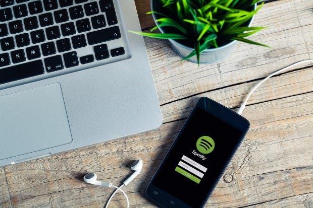 Clientes de Movistar podrían recibir Internet adicional para usar apps de música y video