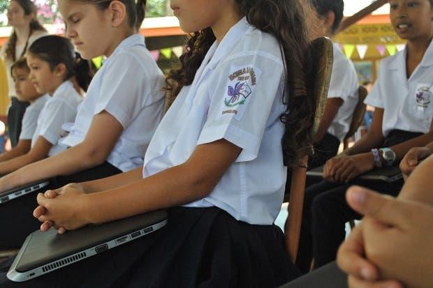 Casi el 84% de estudiantes poseen una computadora