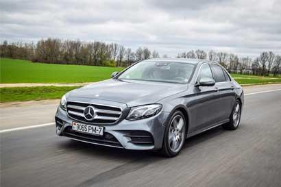 Mercedes-Benz amplía su liderazgo en ventas de autos de lujo
