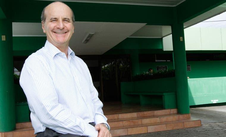Figueres pide a Antonio Álvarez espacio para sus ideas y colaboradores