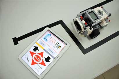 72 docentes impartirán robótica en escuelas y colegios públicos