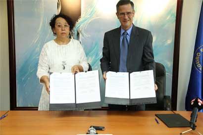 Caja y Tribunal Supremo de Elecciones firman convenio para mejorar registros