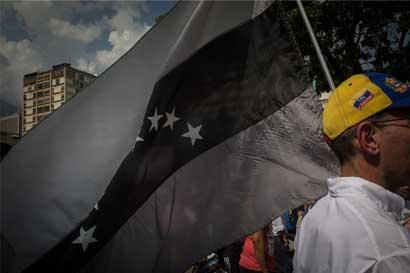 Bonos de Venezuela siguen vendiéndose pese a disturbios