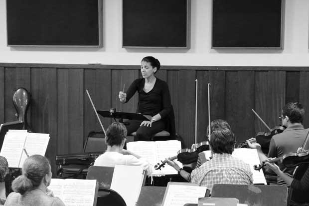 Gabriela Mora será la primera tica en dirigir la Orquesta Sinfónica Nacional